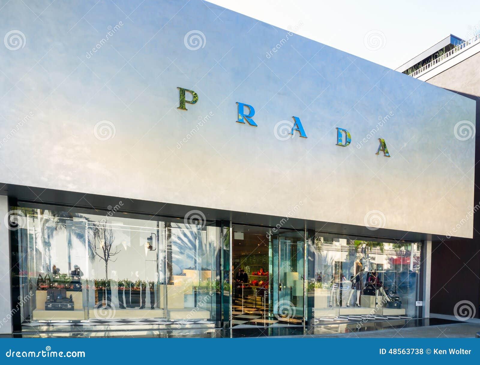 Магазин розничной торговли Exteior Prada