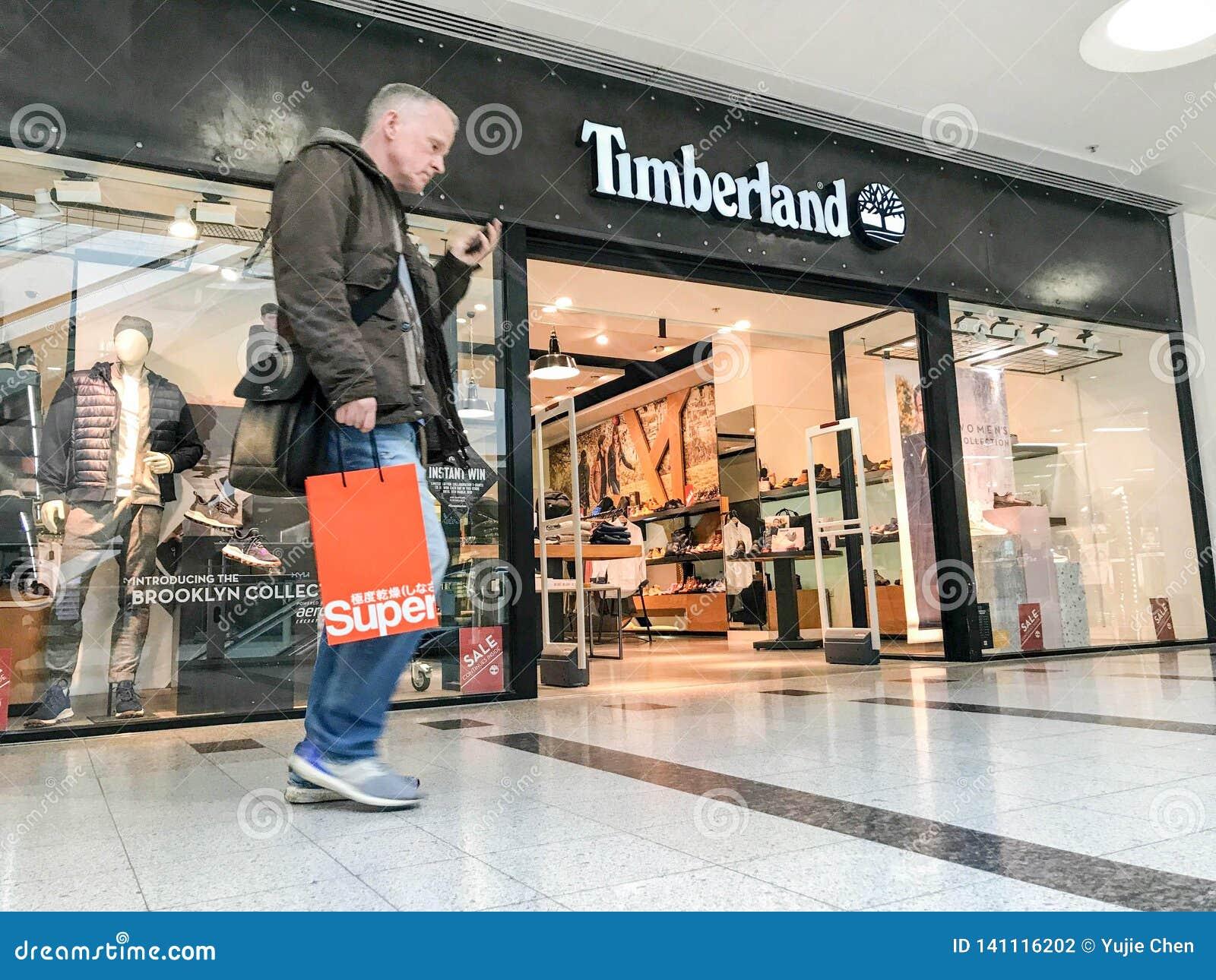 Ingenieros Admisión Notable  Магазин Timberland, Лондон редакционное фотография. изображение  насчитывающей лондон - 141116202