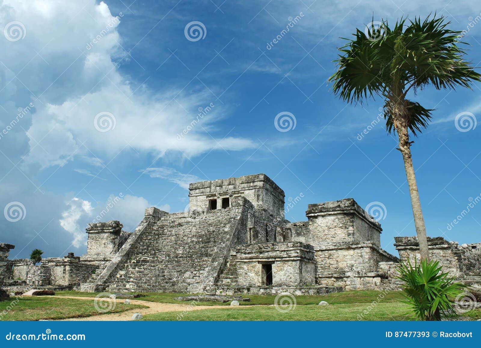 майяские руины Мексики