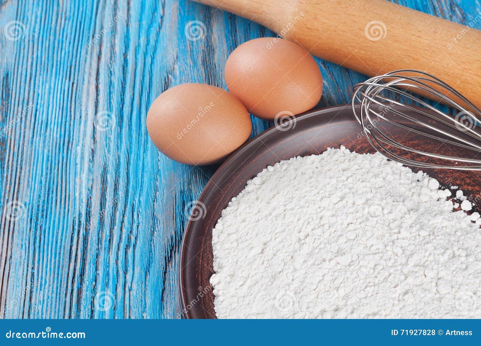 макрос ингридиентов еды муки яичек