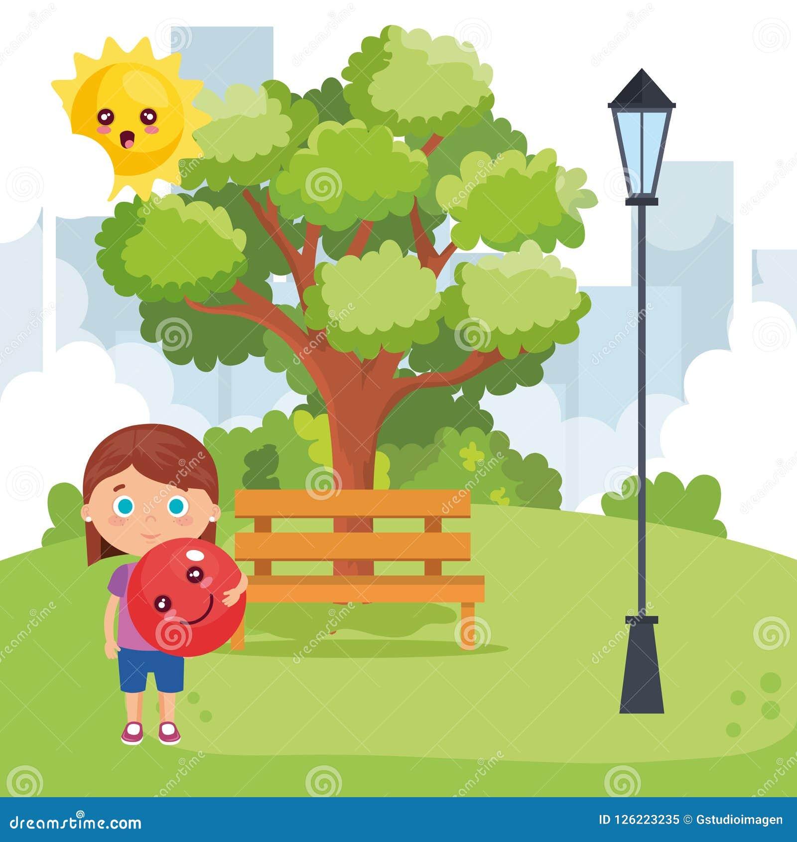 Маленькая девочка играя на парке