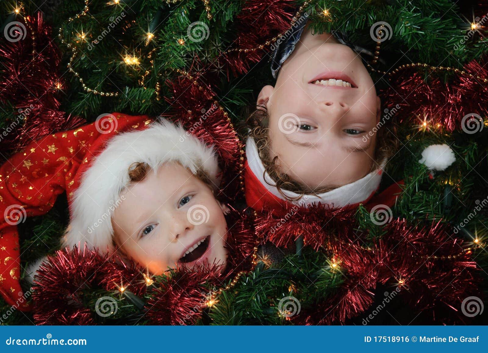 малыши рождества
