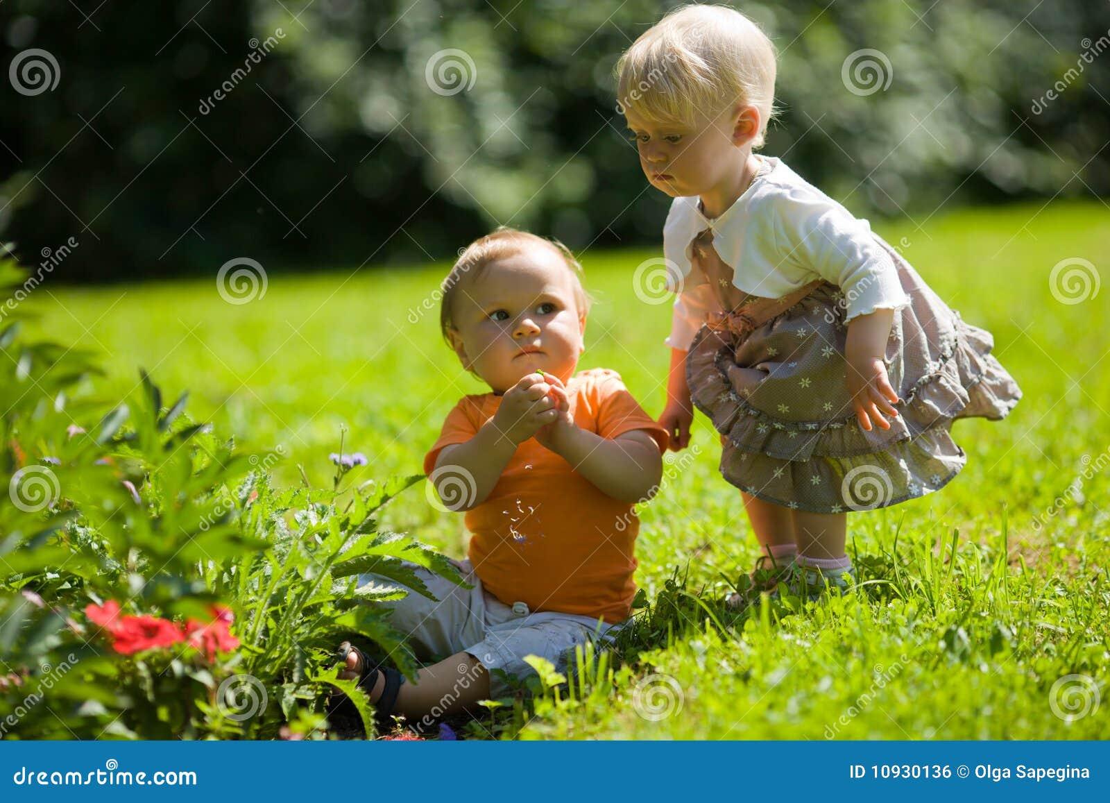 малыши outdoors 2