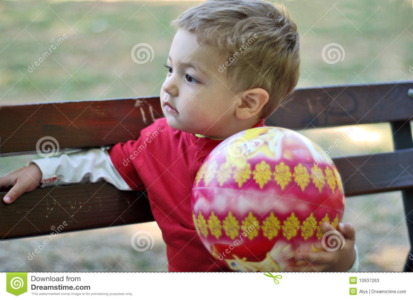 мальчик шарика немногая