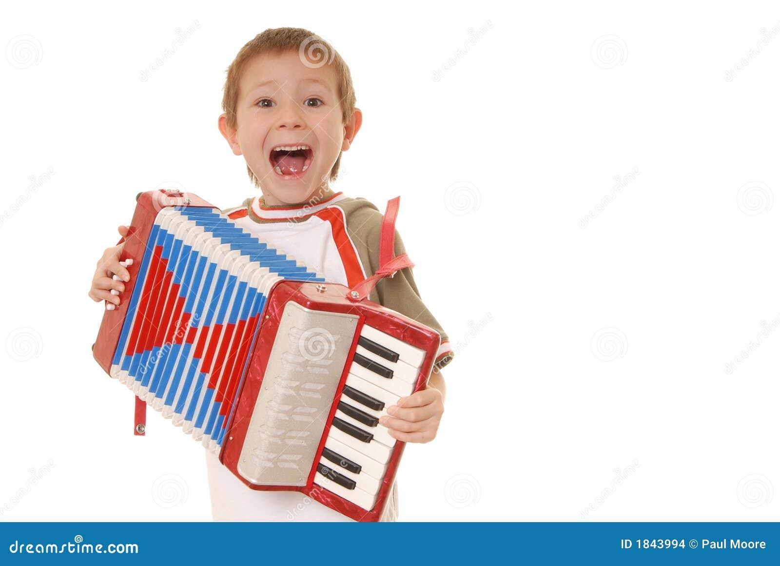 мальчик 11 аккордеони