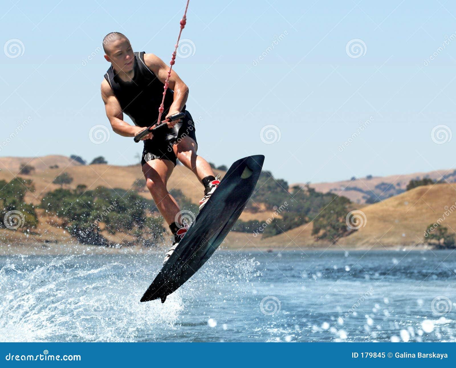 мальчик wakeboarding