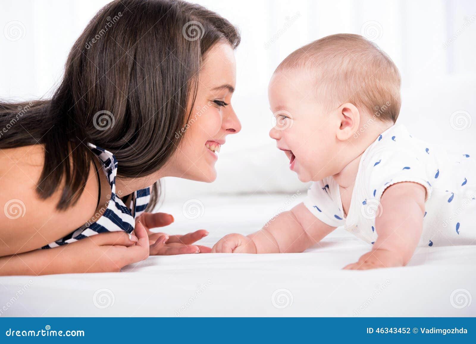 мама младенца