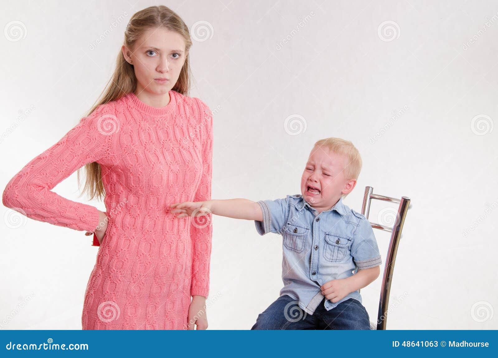 Фото мама наказывает сына 18 фотография