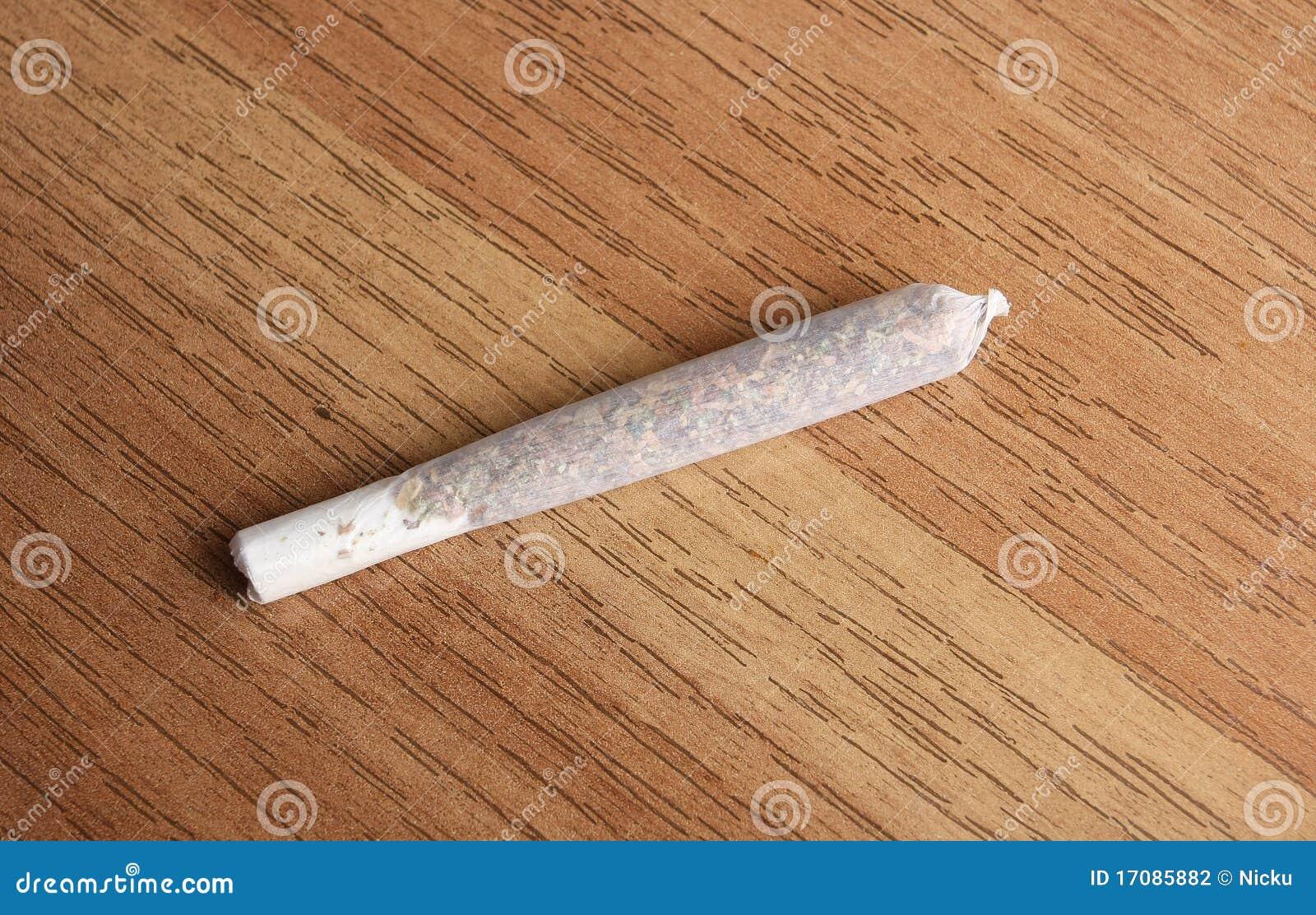 Сигарета марихуаны сорт конопли фото
