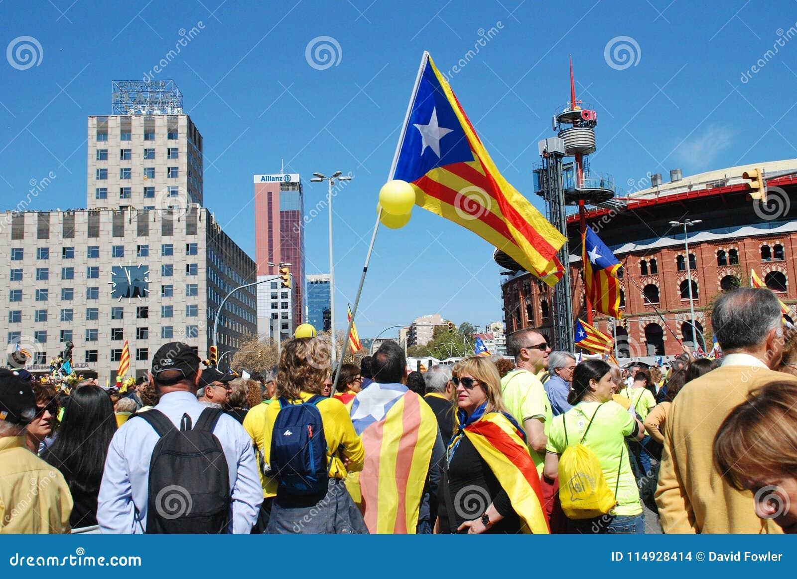 Марш политики Llibertat Presos в Барселоне