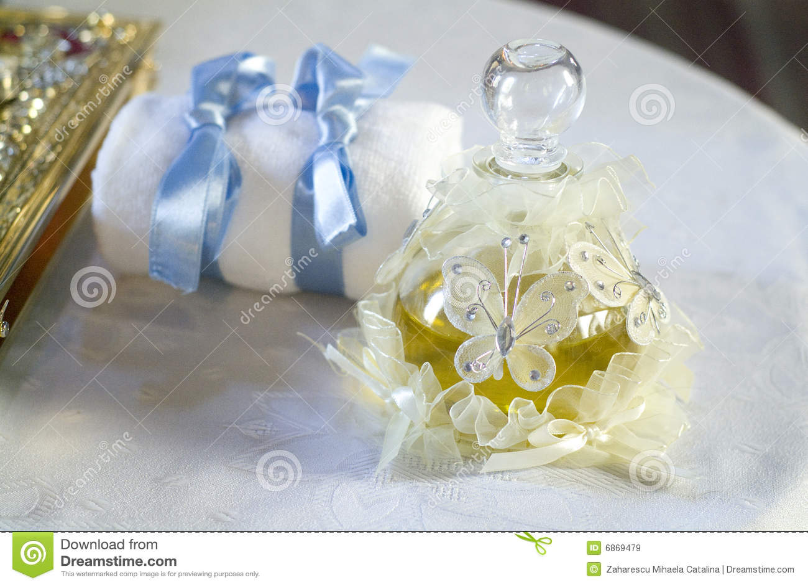 масло крещения младенца