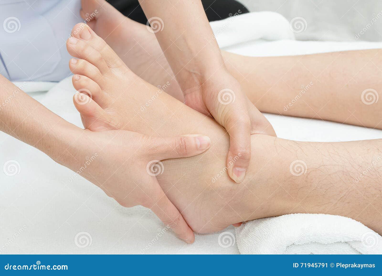 Массаж ноги Reflexology