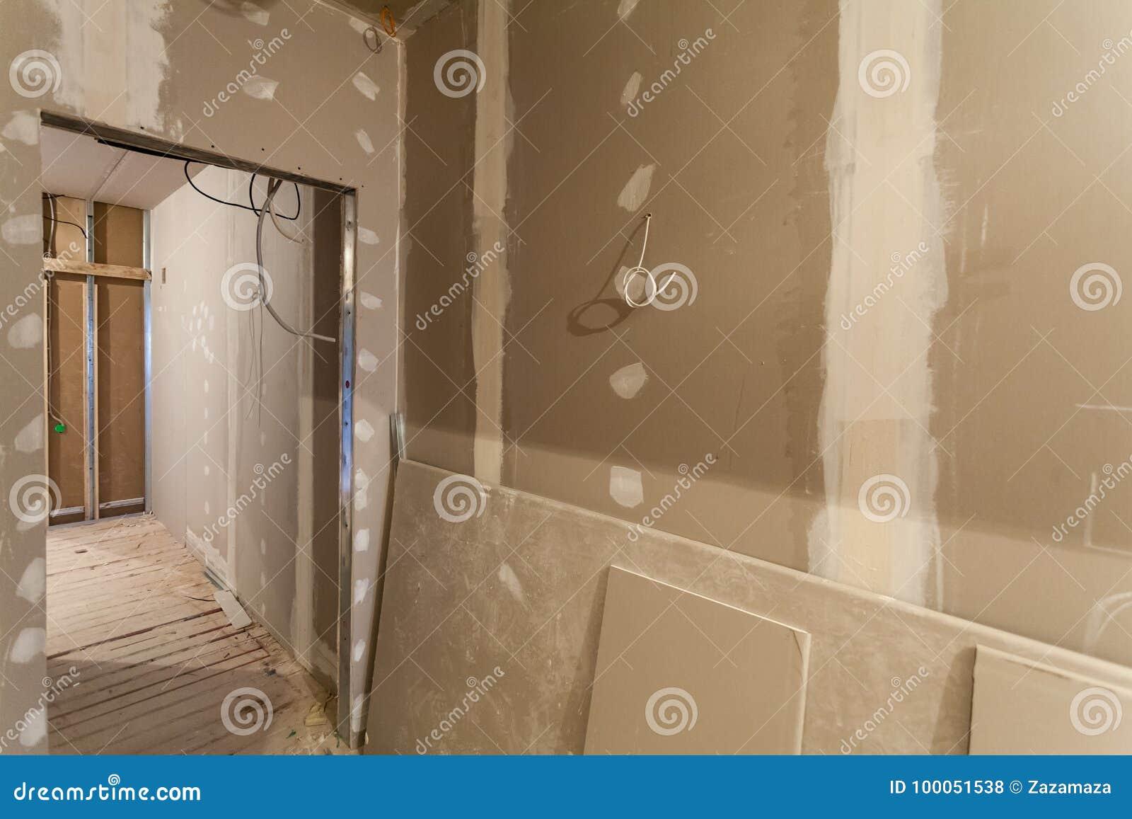 Материал для ремонтов в квартире под конструкцией, remodeling, отстраивать и реновацией
