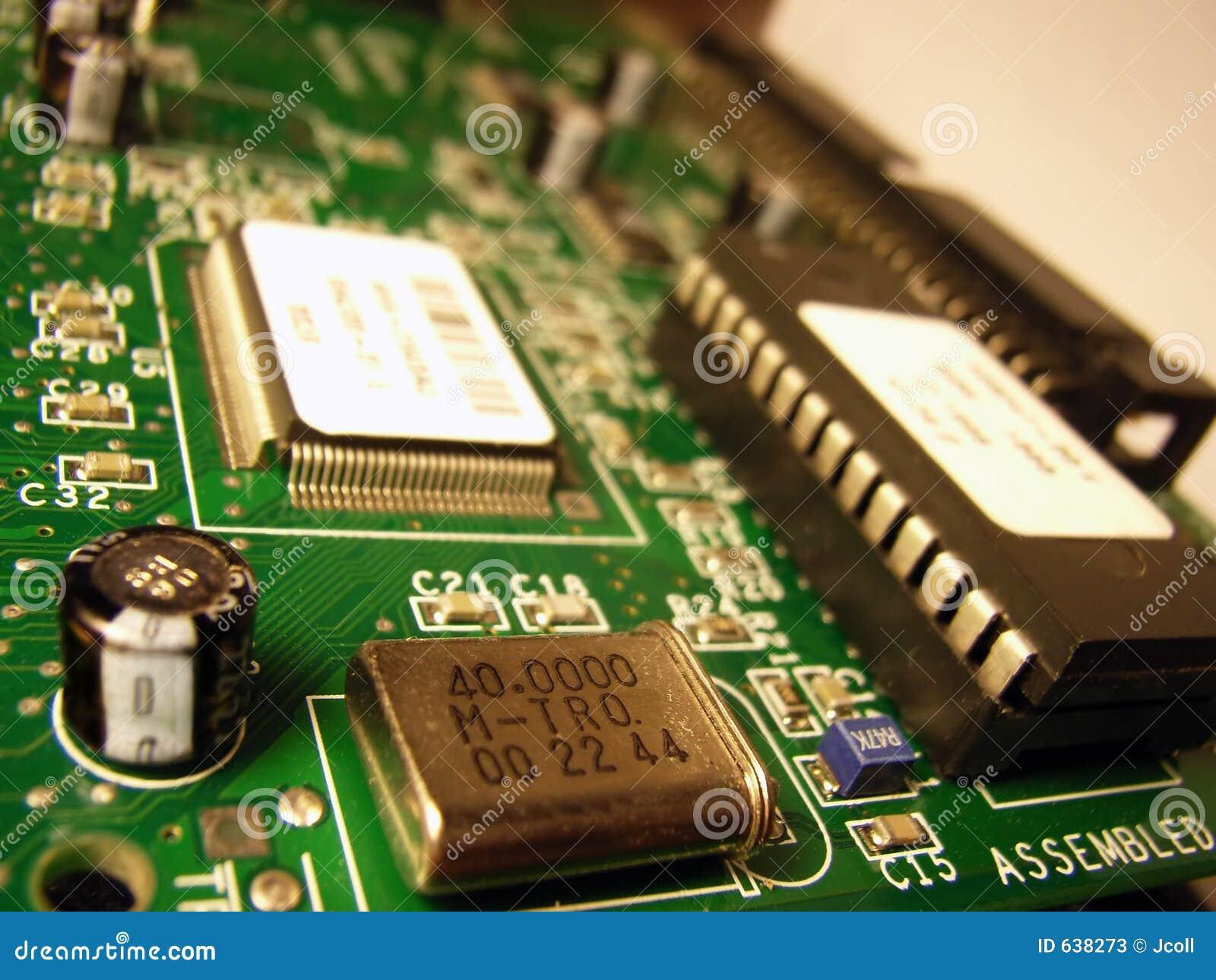 Download материнская плата компьютера Стоковое Изображение - изображение насчитывающей микросхема, цепь: 638273