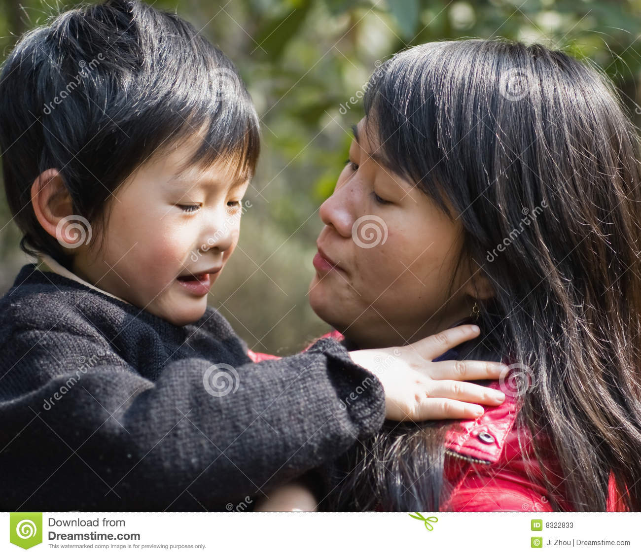 """why chinese mothers are superior Many people curious about how chinese parents produce many remarkable children that excellent in academic, music, and professional success amy chua, mother of two successful daughters, wrote an essay """"why chinese mother are superior"""" to share her story about raising her kids in a chinese way."""