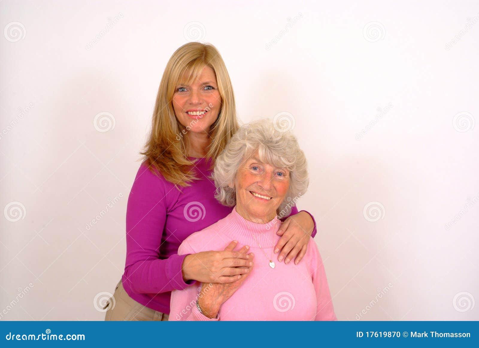 мать пожилых людей дочи