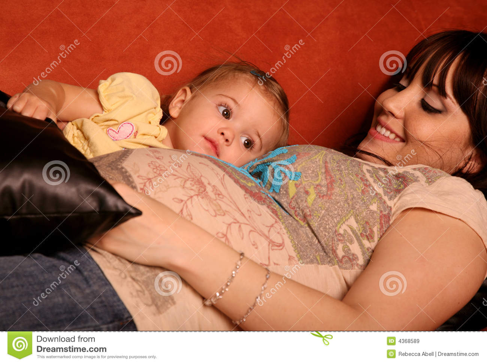 мать ребенка супоросая