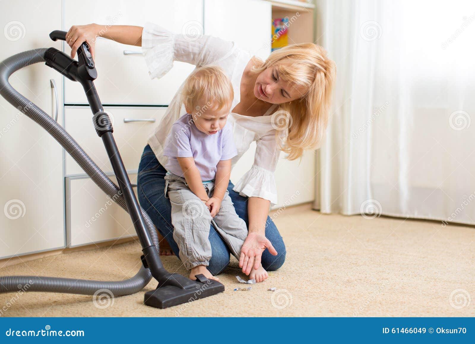 видео мама учит сына еб