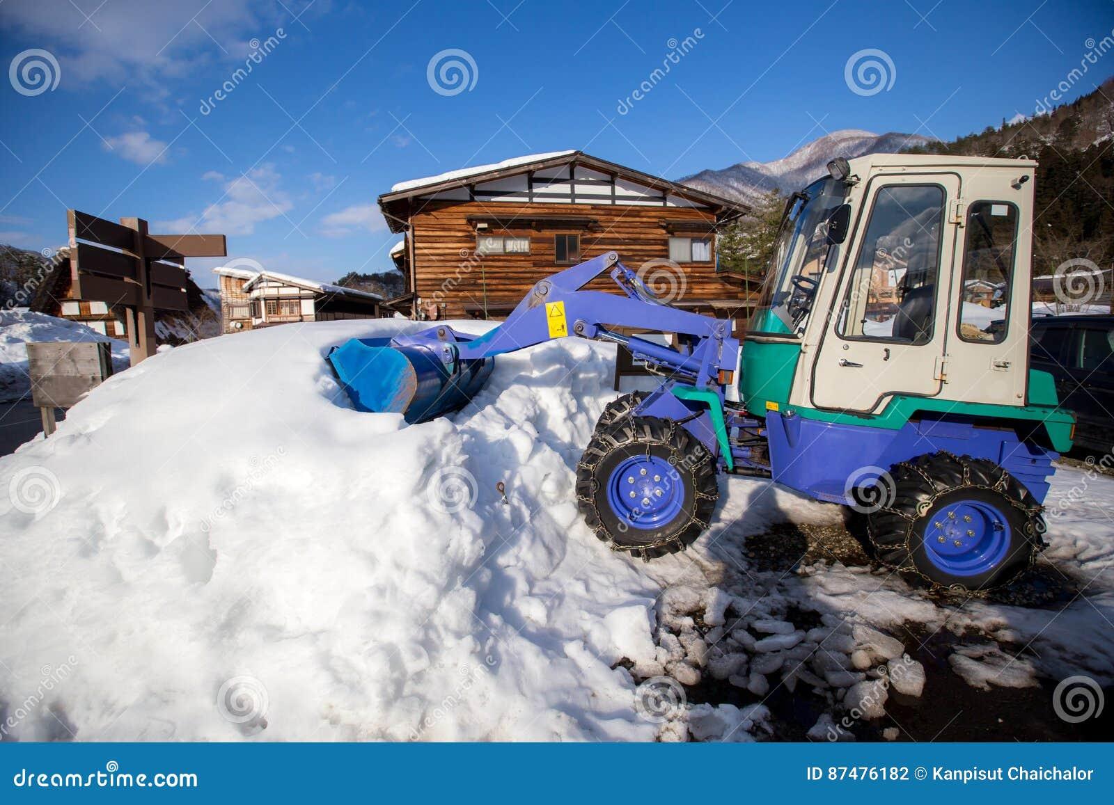 Машина затяжелителя колеса разгржая снег