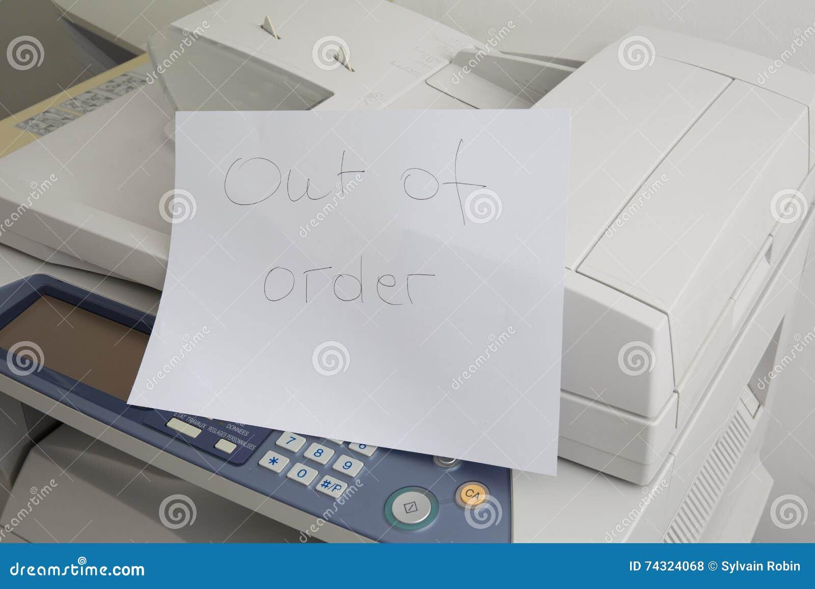 Машине экземпляра нужно быть починкой, отказом принтера