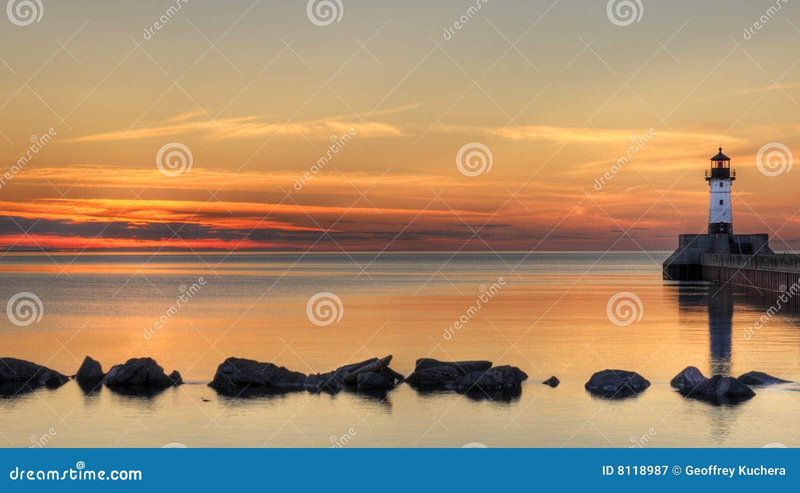 маяк большого озера трясет восход солнца