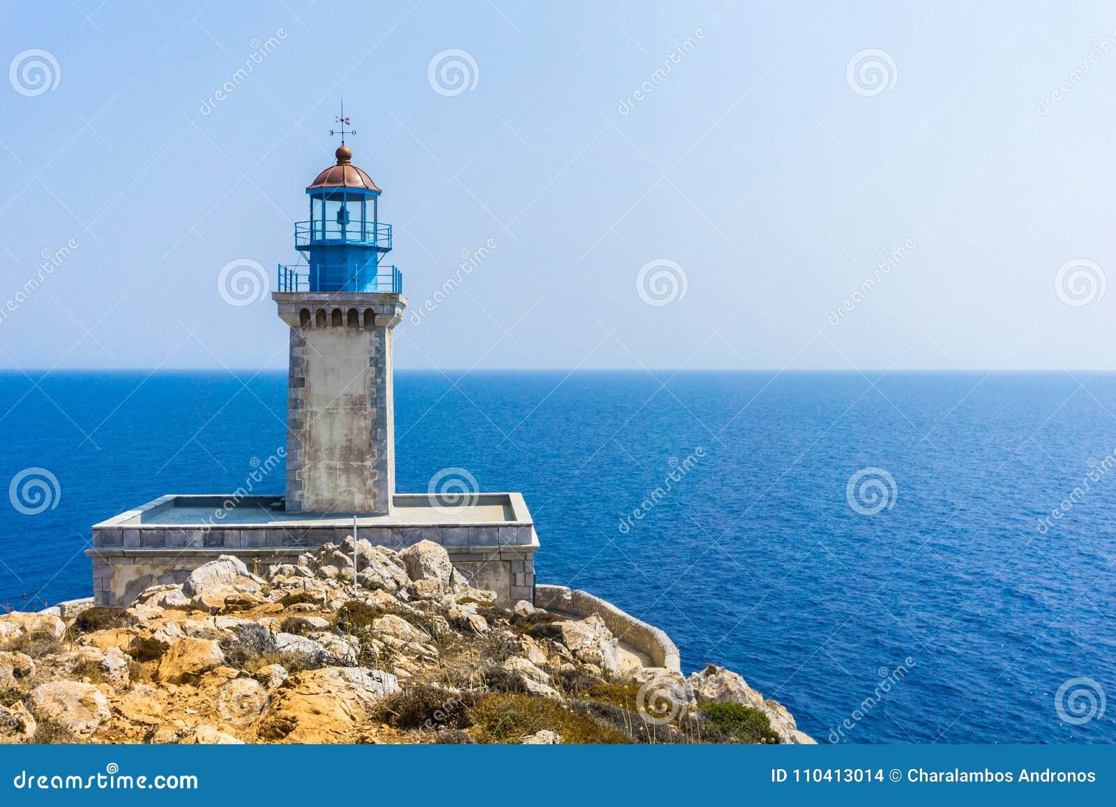 Маяк на маяке Tainaron накидки в Mani Греции