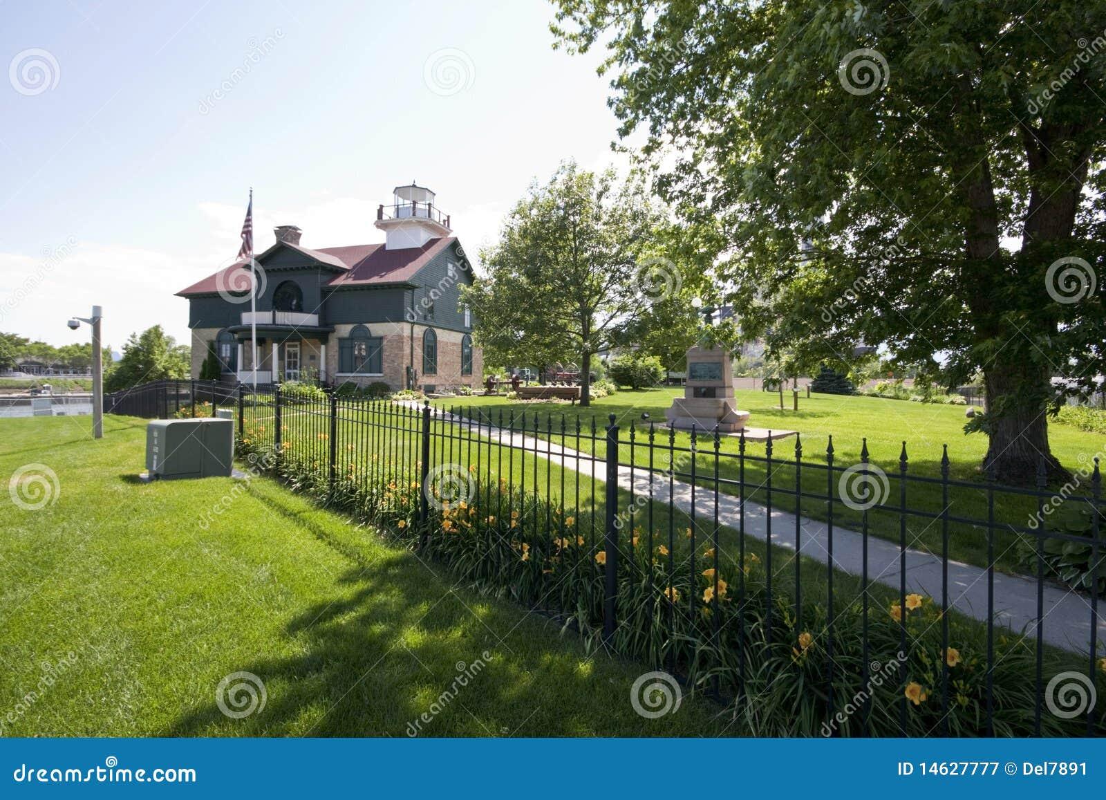 маяк 1858 Индианы города Мичиган старый