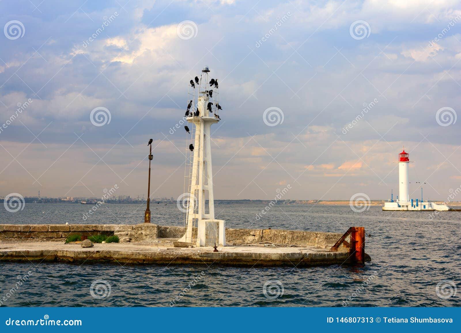 Маяк Vorontsov в Одессе, Украине Seascape на Чёрном море