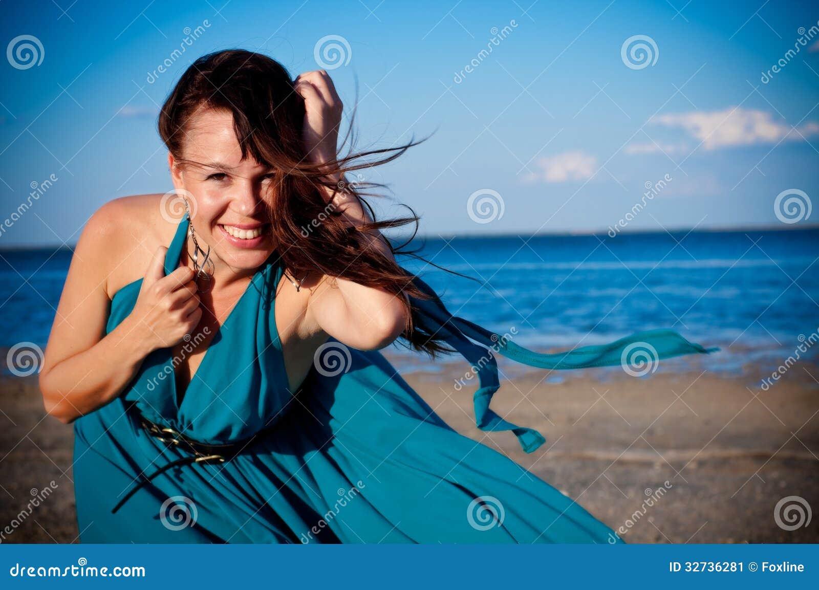 Фото на пляже в длинном