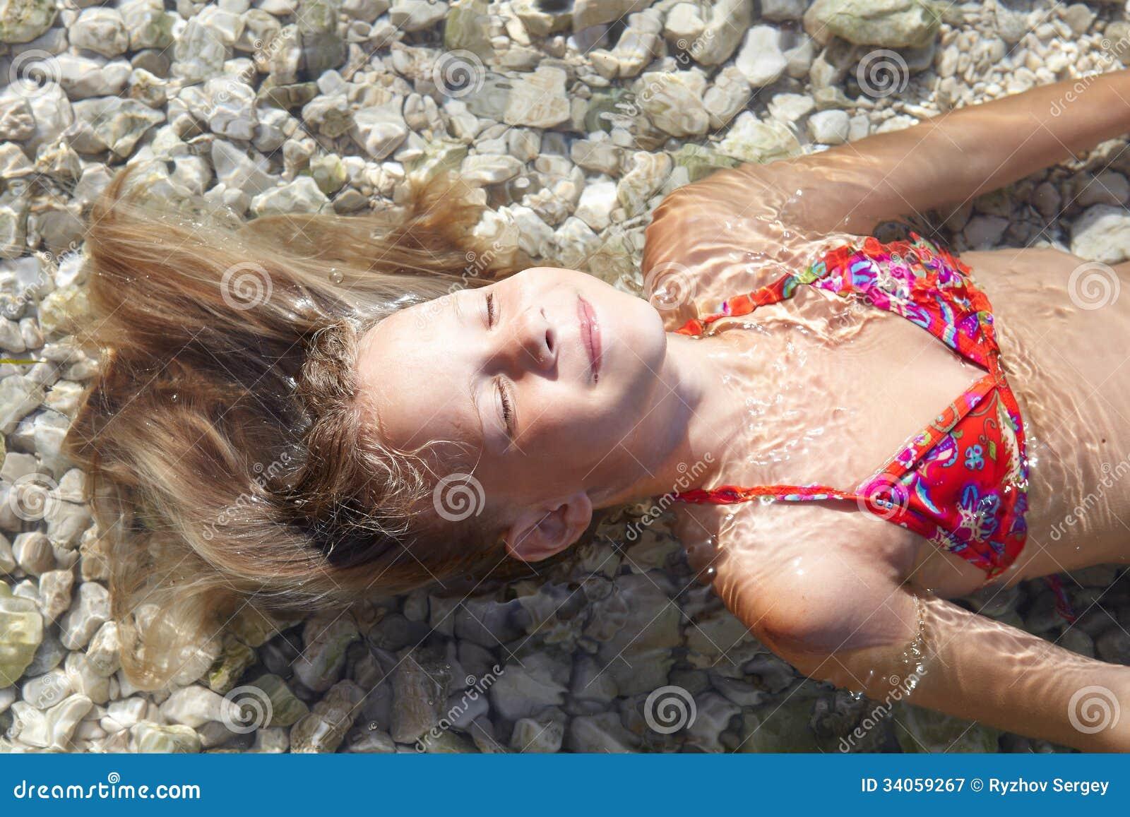 Фото маленькi пiськи, Фото молоденькой писи крупно Голые красотки 21 фотография