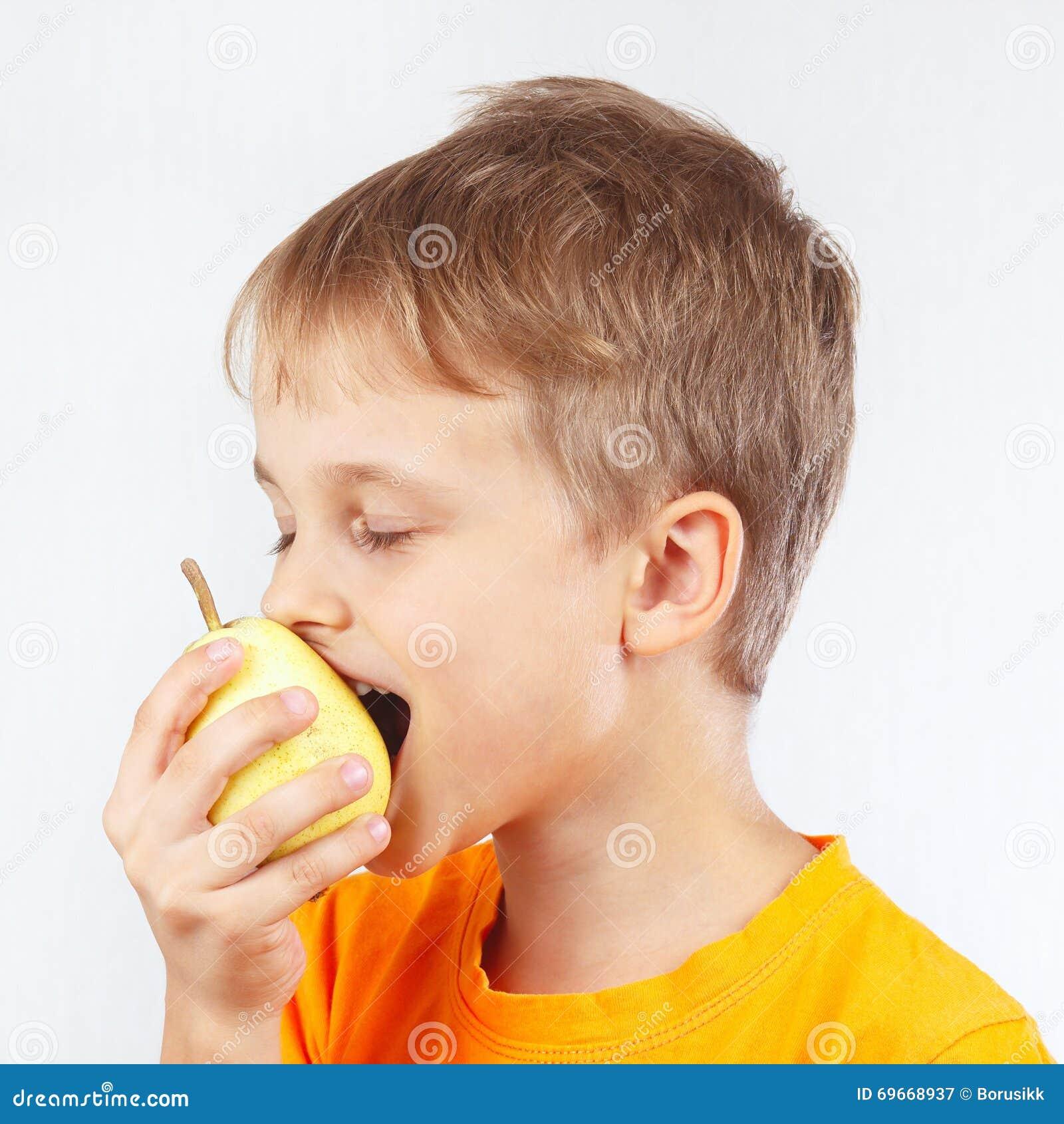 Фото зрелая и молодой мальчик фото 297-791