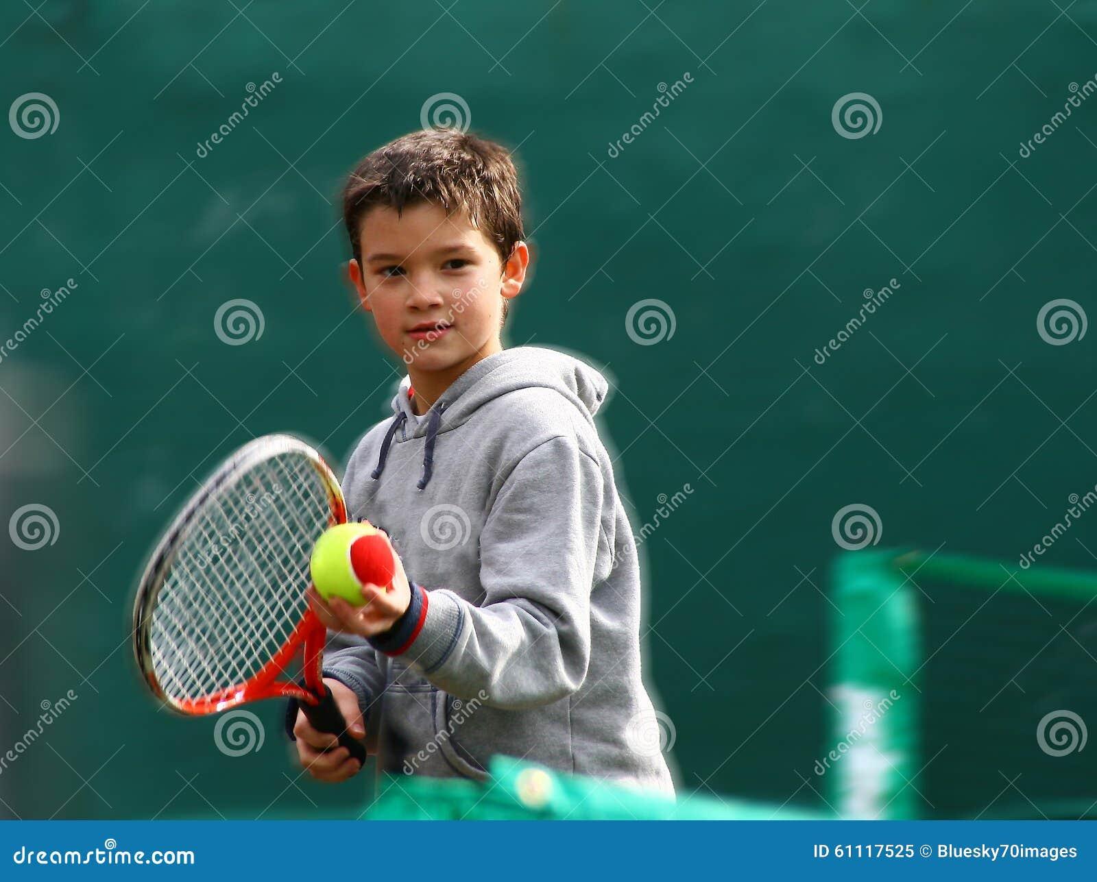 маленький теннис игрока
