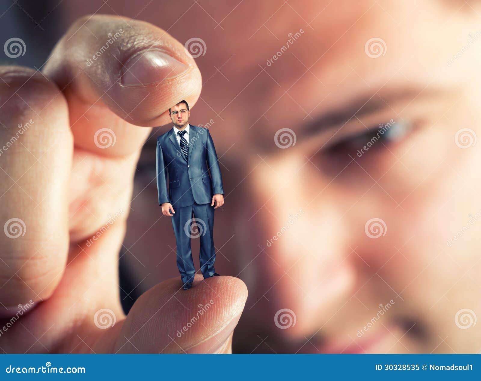 Малый предприниматель в руке