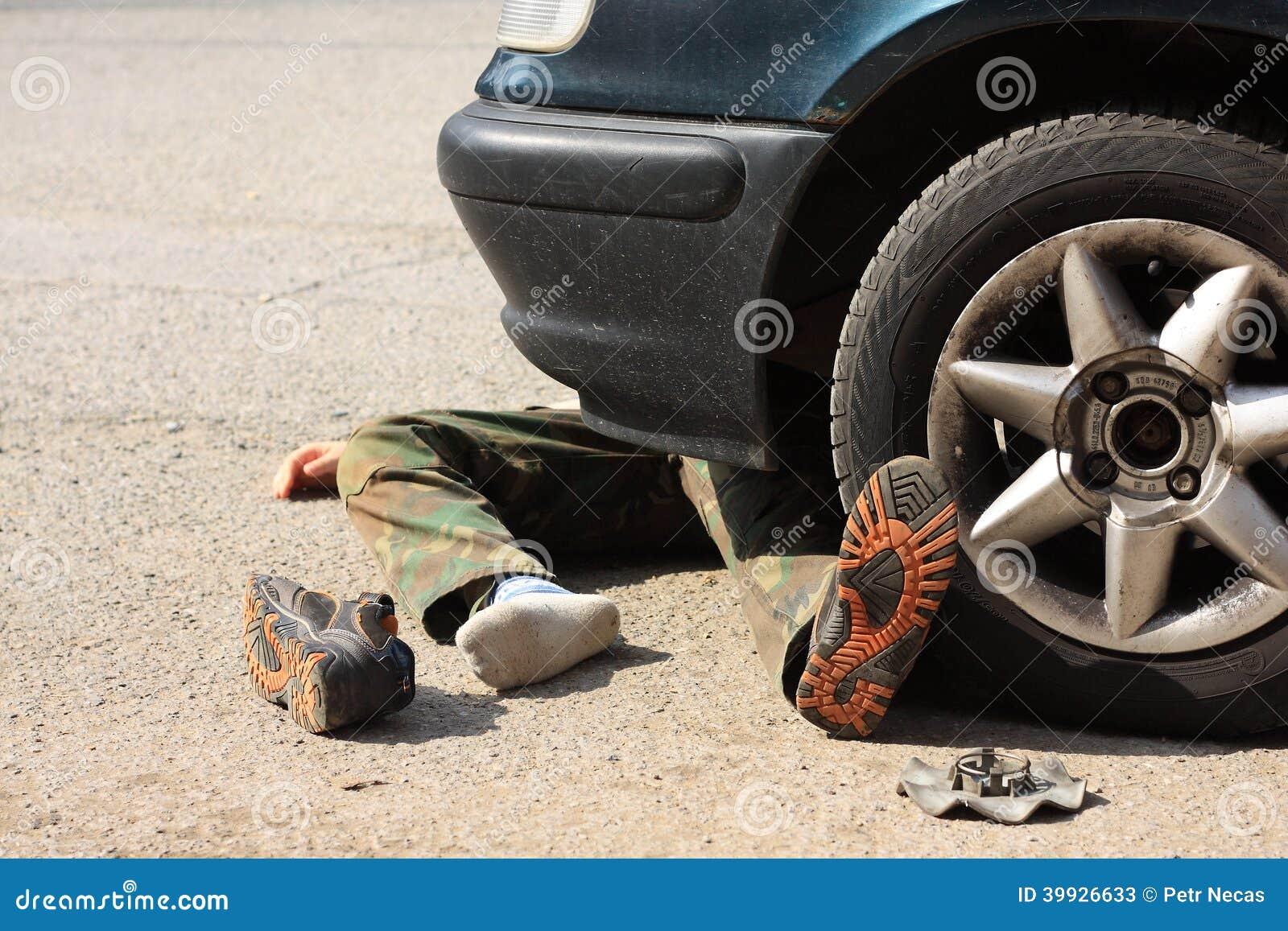 Мальчик аварии с пассажирским автомобилем