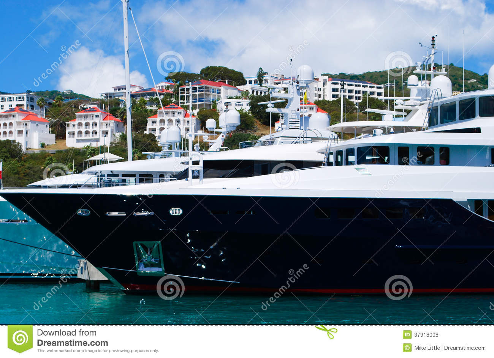 Мега яхты в St. Thomas
