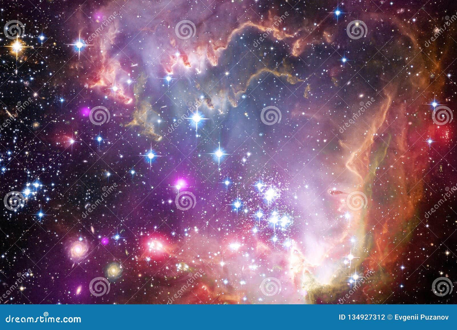 Межзвёздные облака и много звезд в космическом пространстве Элементы этого изображения поставленные NASA