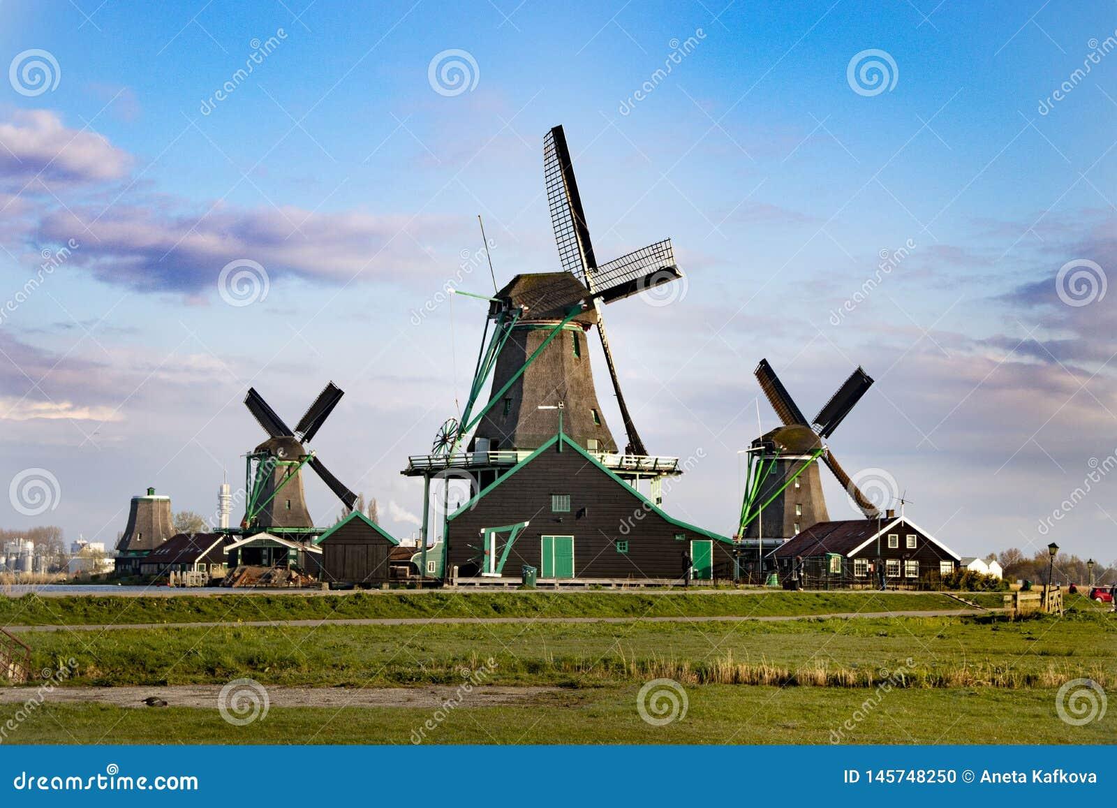 Мельницы ветра в Нидерланд