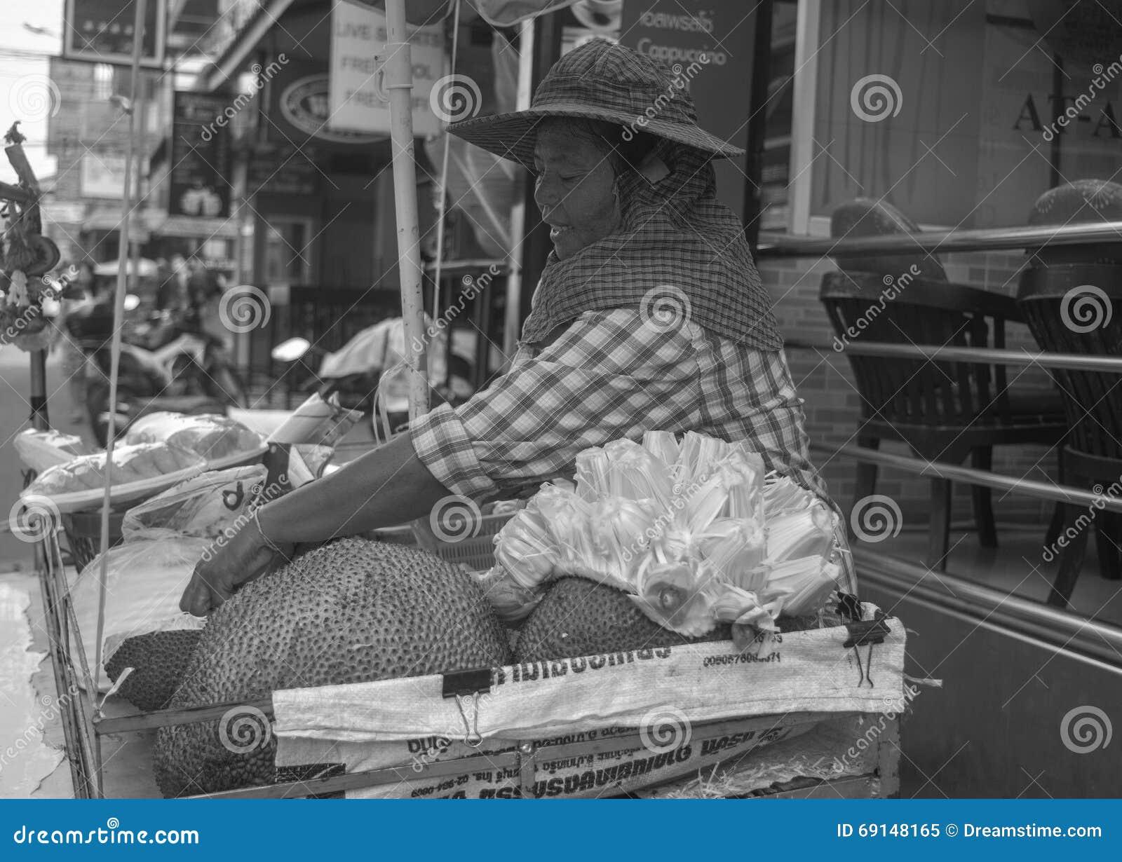 Местный тайский продавец плодоовощ  Джека