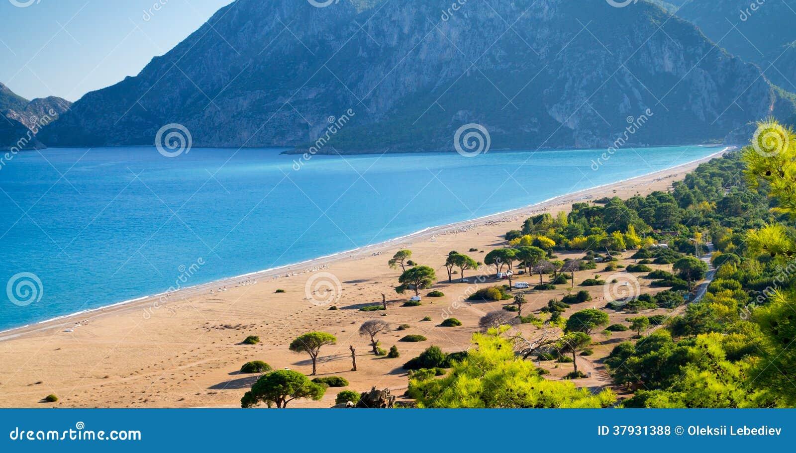 Место для лагеря на пляже песка