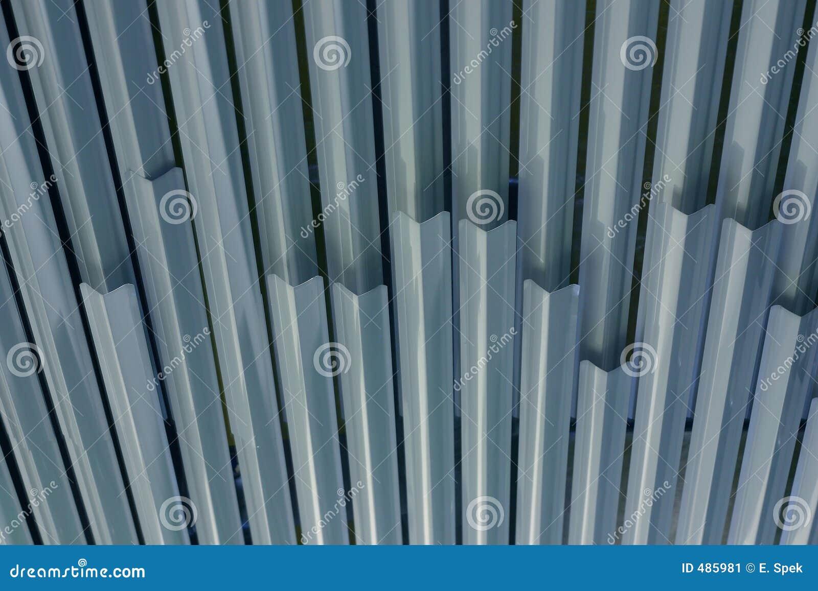 металл потолка