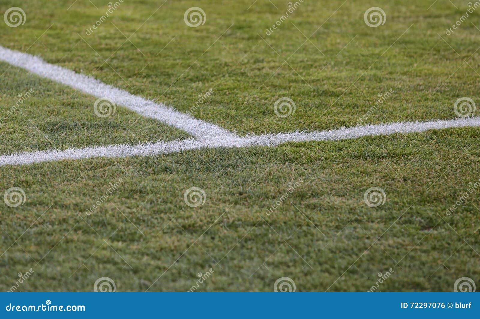 Download Метки хранят футболом, который Стоковое Фото - изображение насчитывающей текстура, стадион: 72297076