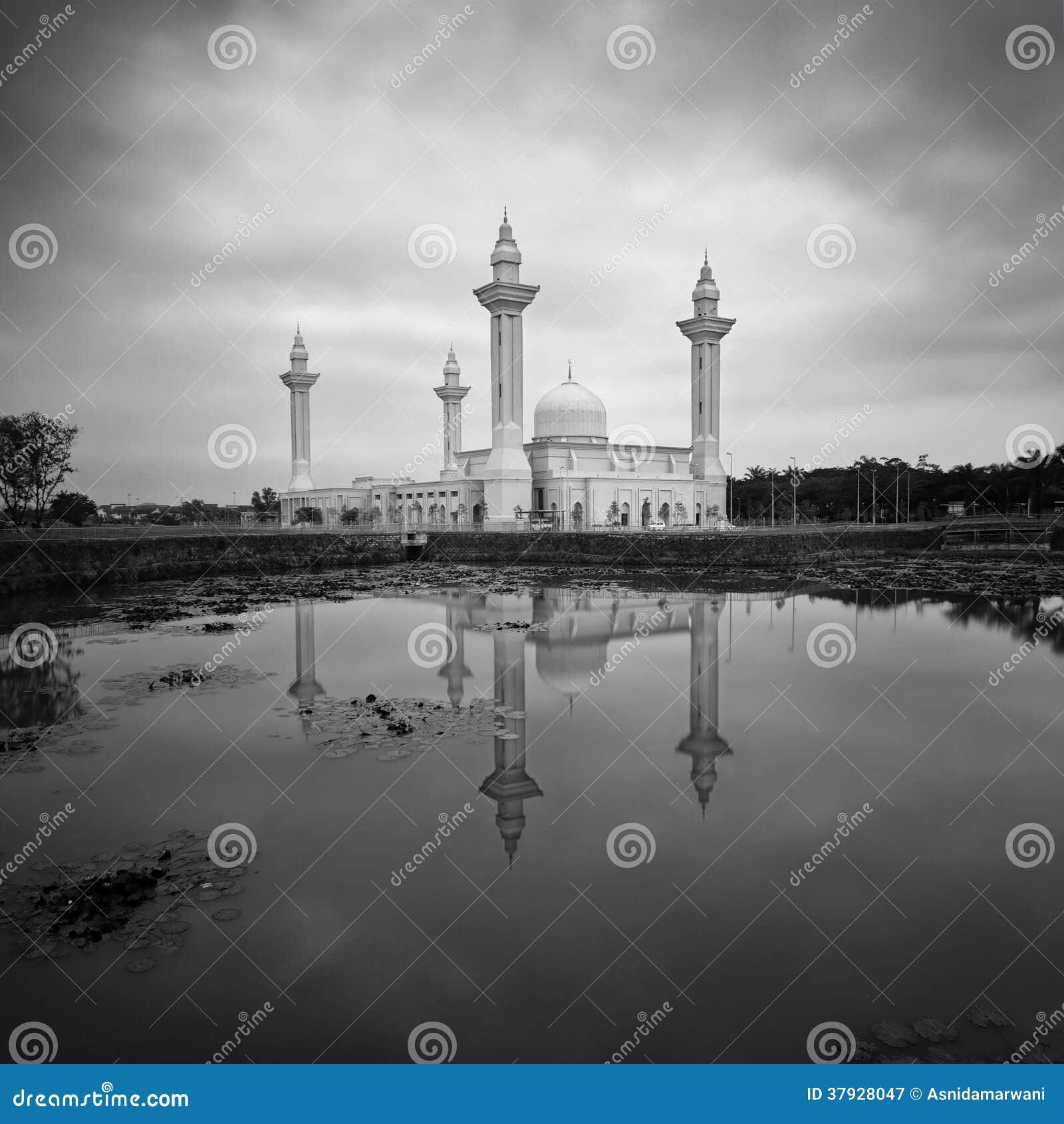 Мечеть Tengku Ampuan Jemaah, Bukit Jelutong, Малайзия