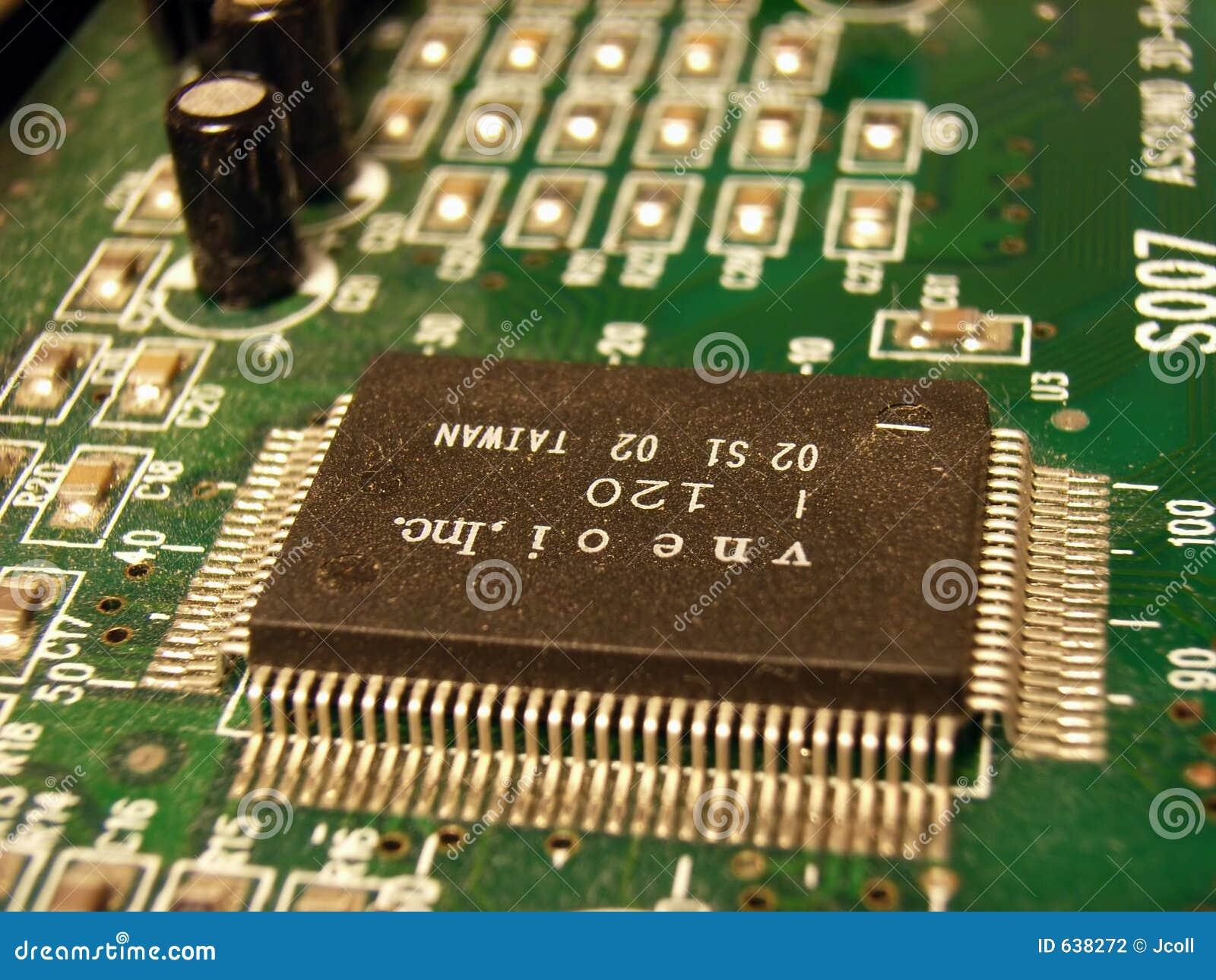 Download микросхема компьютера стоковое фото. изображение насчитывающей интегрировано - 638272