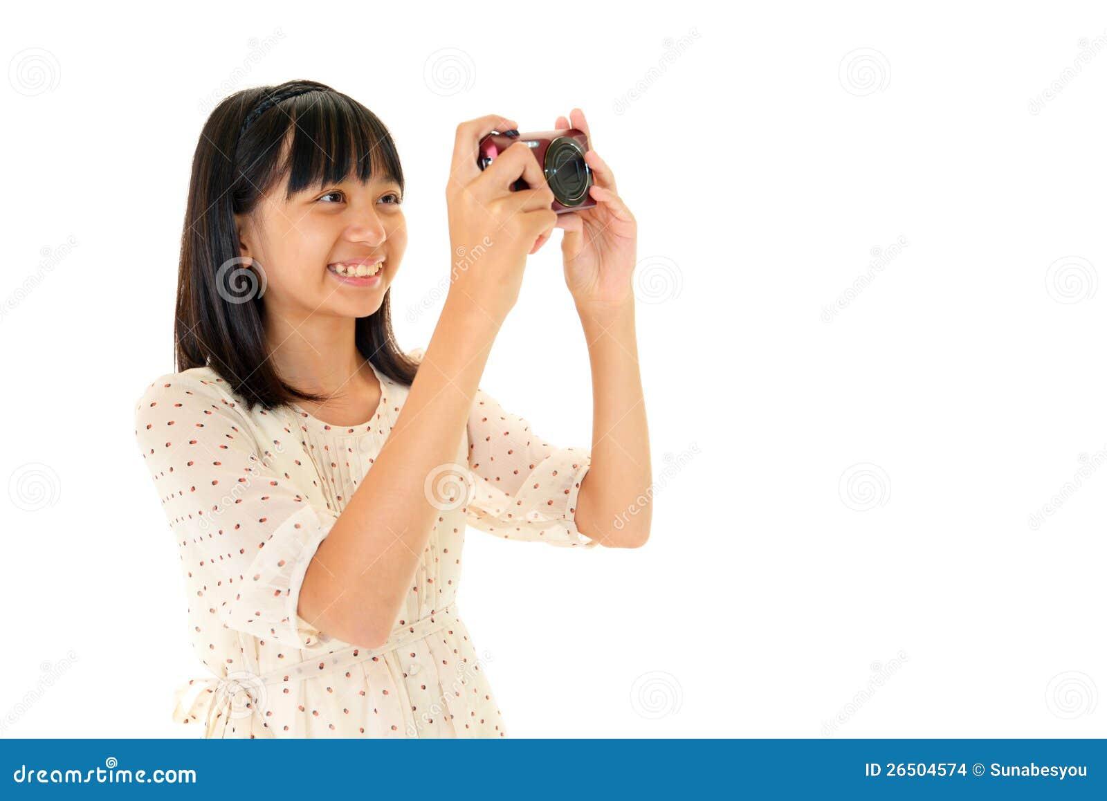 Милая девушка делая фото