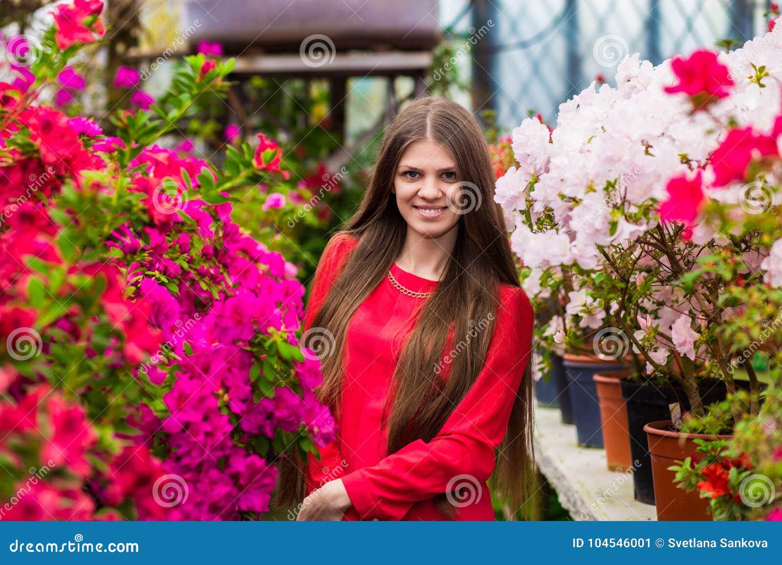 Женщина с очень молодым — photo 8