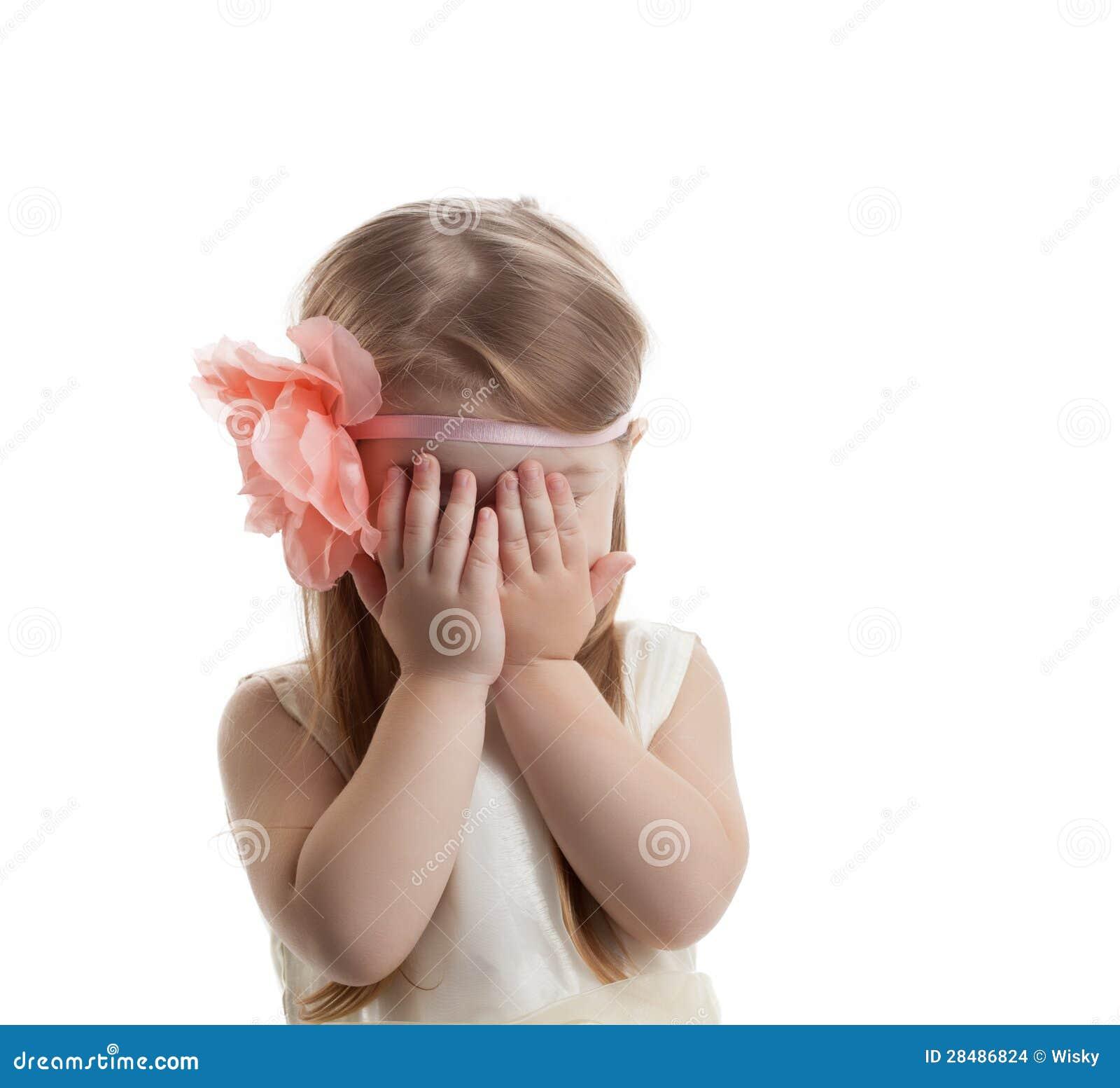 Милый и милый плакать маленькой девочки