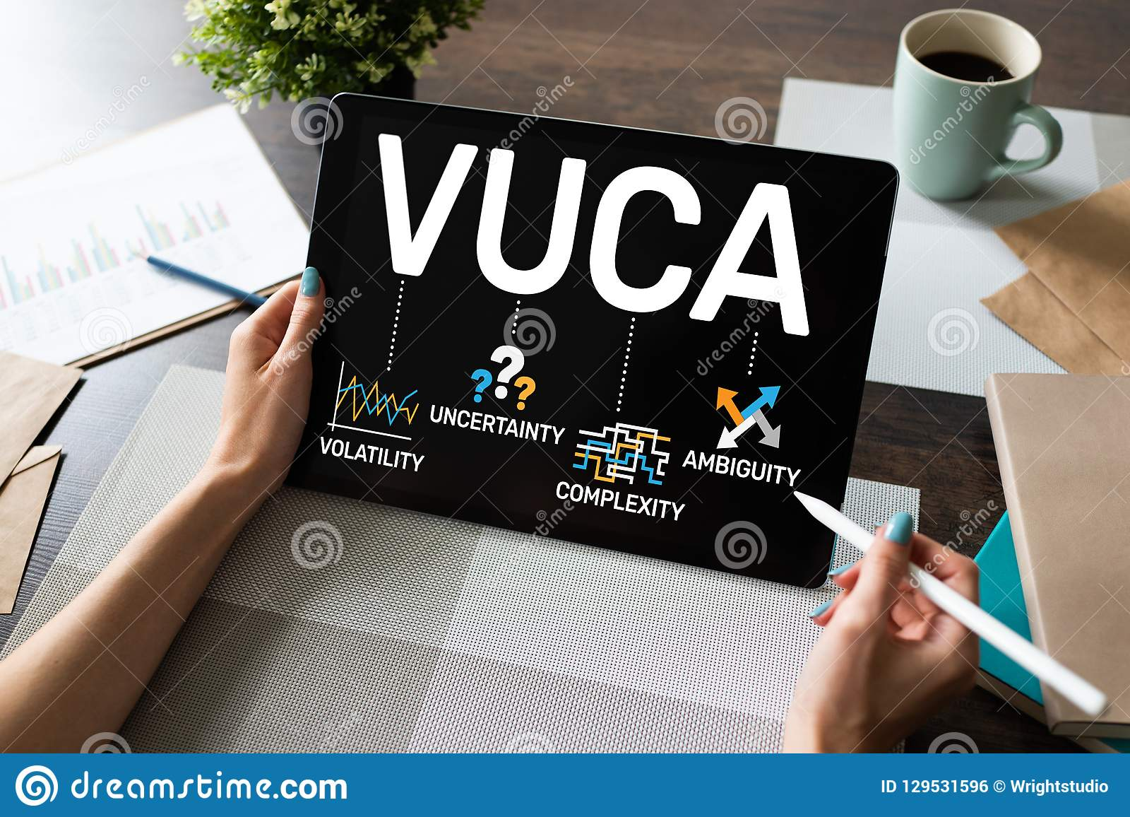 Мировоззренческая доктрина VUCA на экране Неустойчивость, неопределенность, сложность, неоднозначность