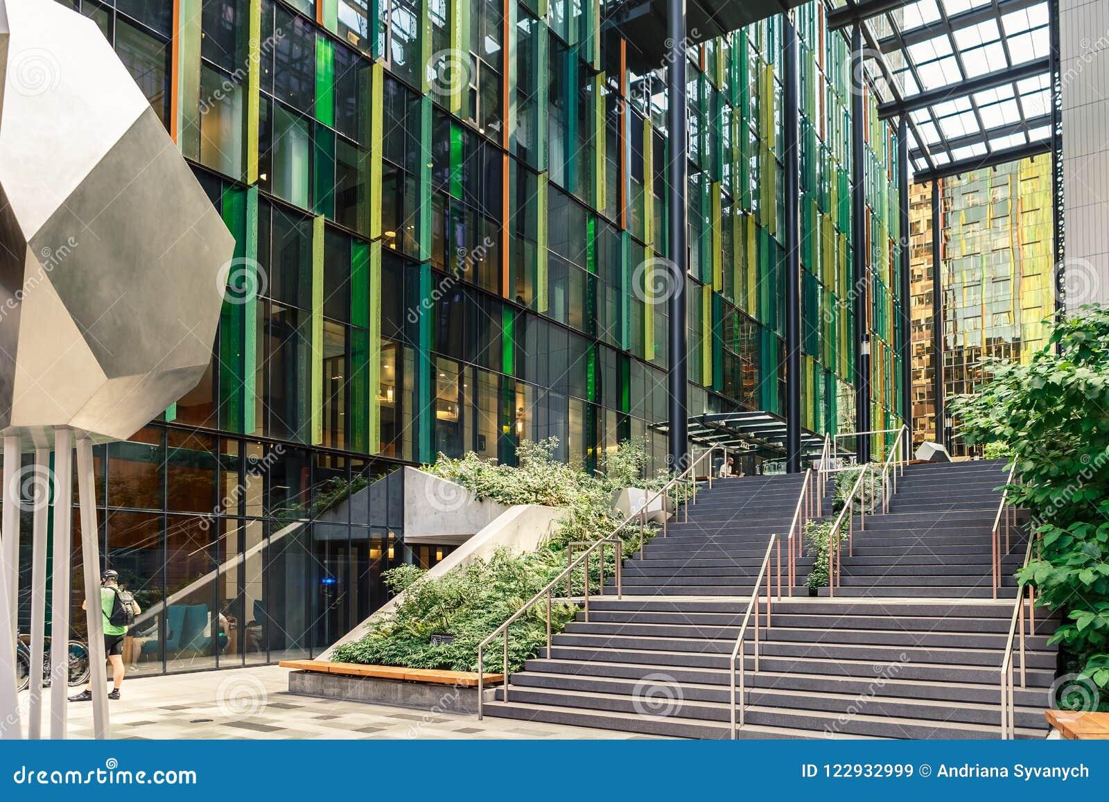 Мир Амазонки размещает штаб сферы США кампуса