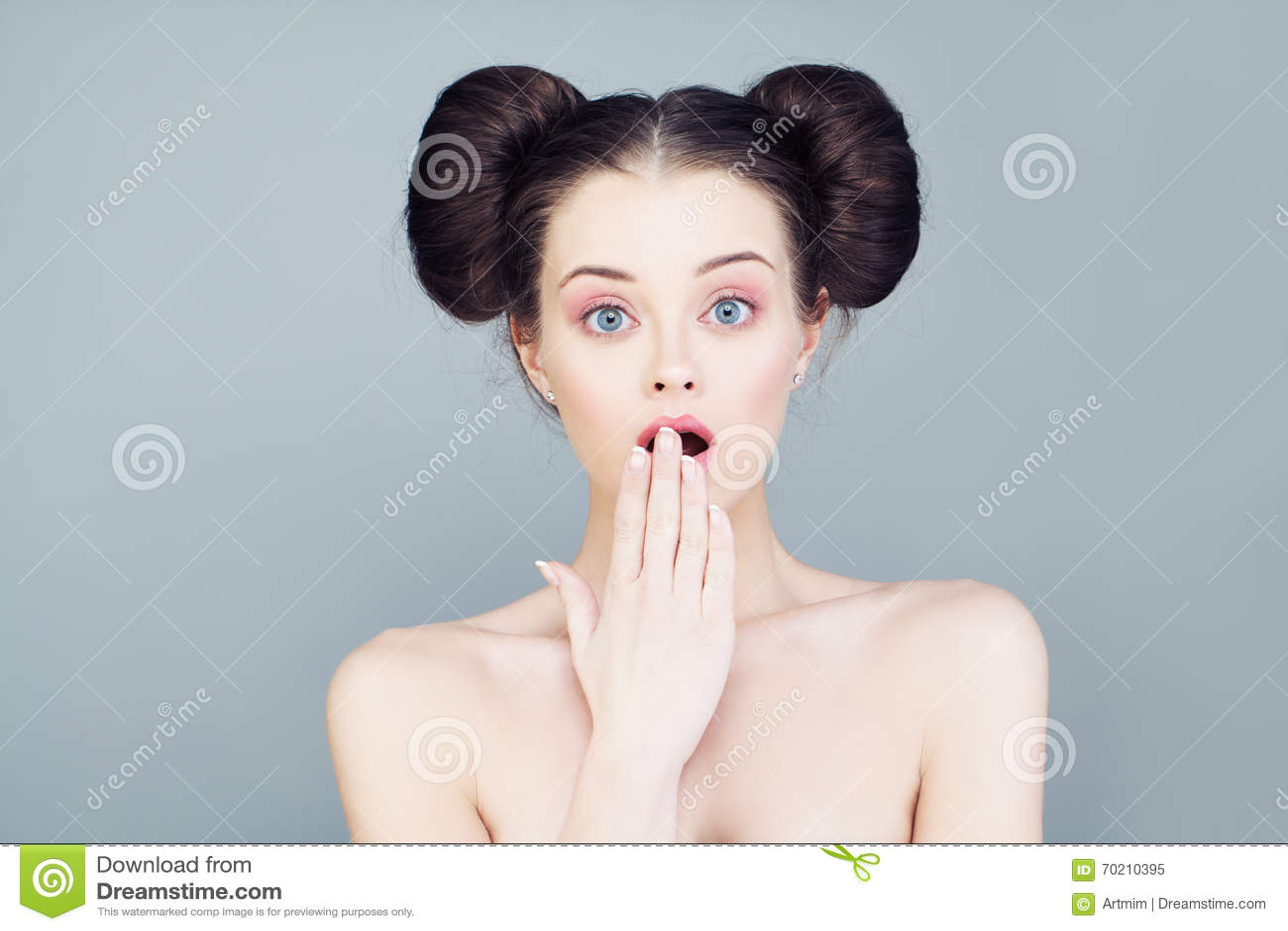 скачать картинку с приоткрытым задом у женщины
