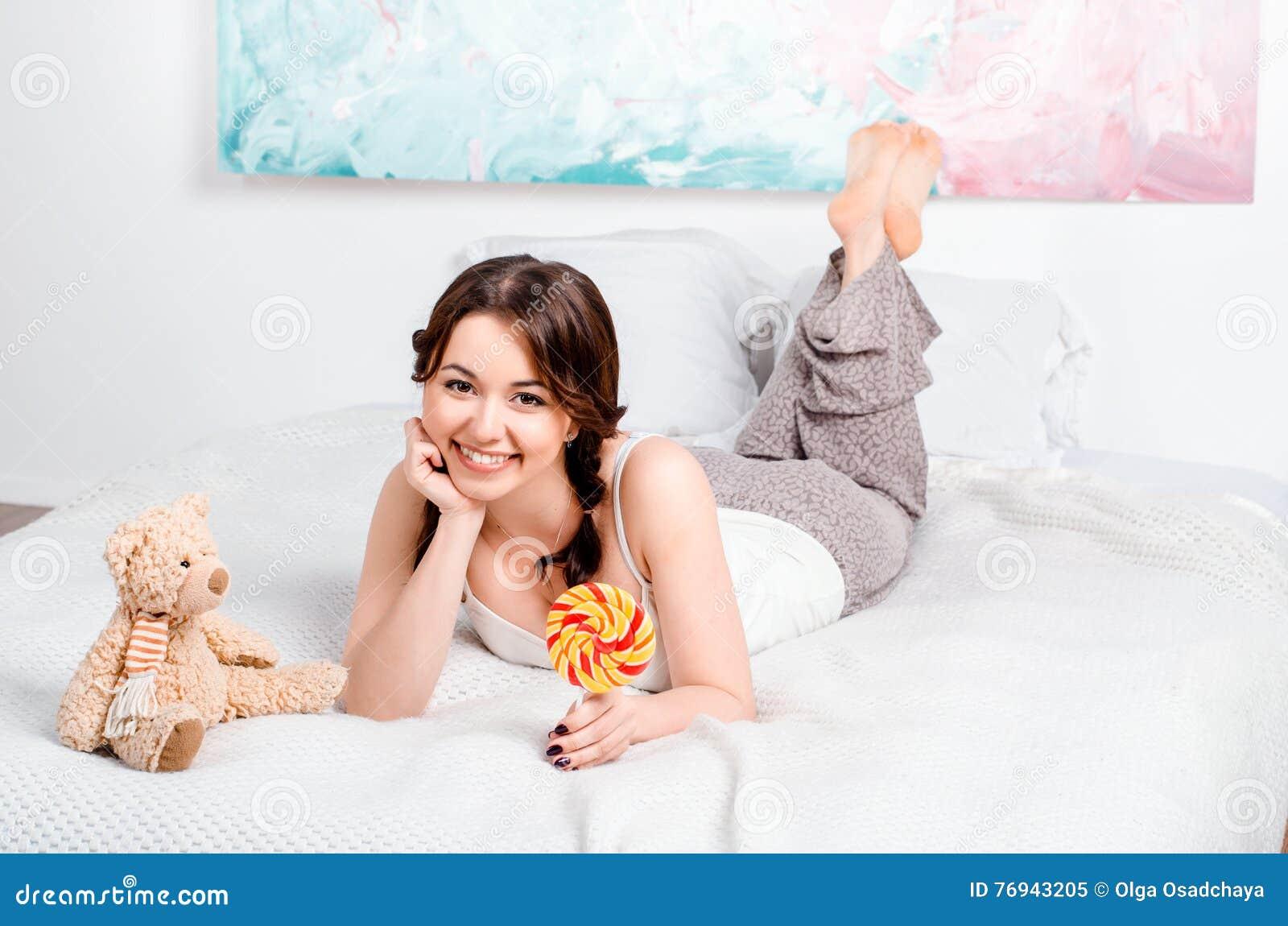 molodaya-devka-doma-foto-russkoe-porno-foto-bolshie-grudi-zrelih-zhenshin